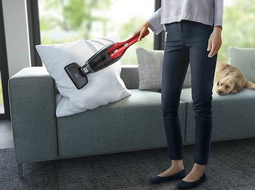 AEG CX7-2-45AN saugt spielend leicht die Couch